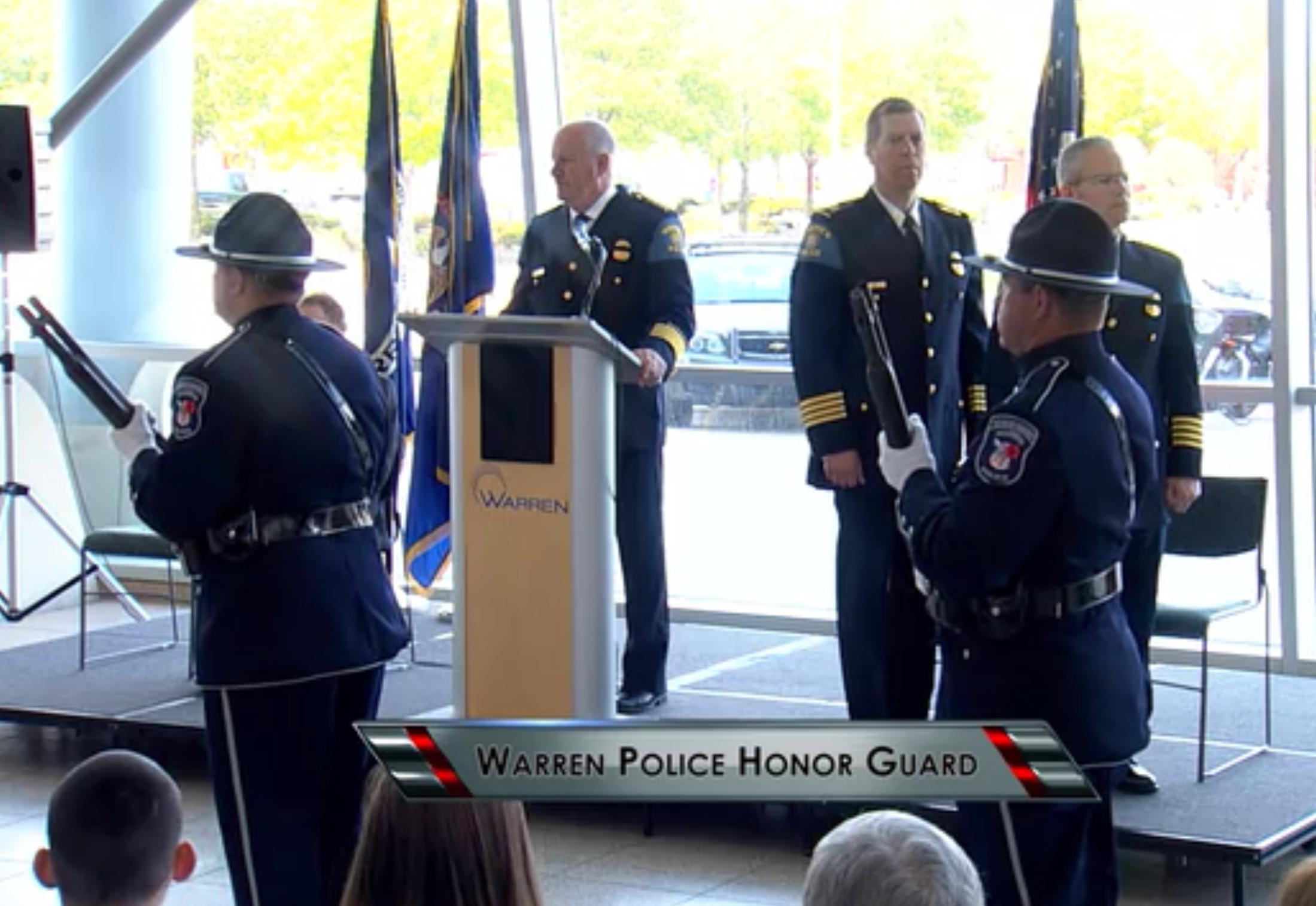 Warren Mayor James Fouts - Police Honor Guard
